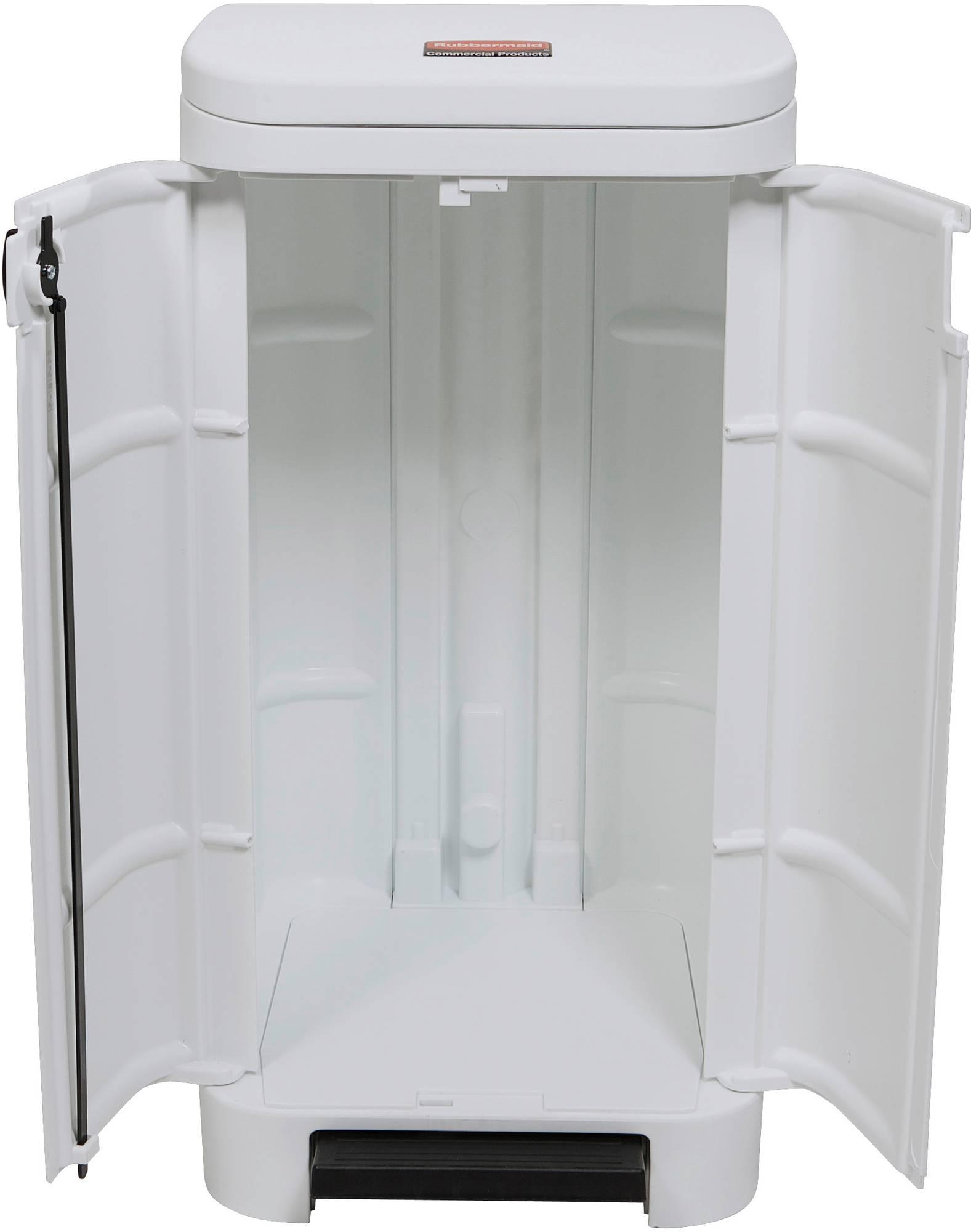 Weißer Rubbermaid Step-On Best Tritt-Mülleimer mit 100 l Füllmenge, geöffnete Fronttüren