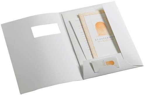 Weiße, seidenmatte Angebotsmappe mit Fenster in A4